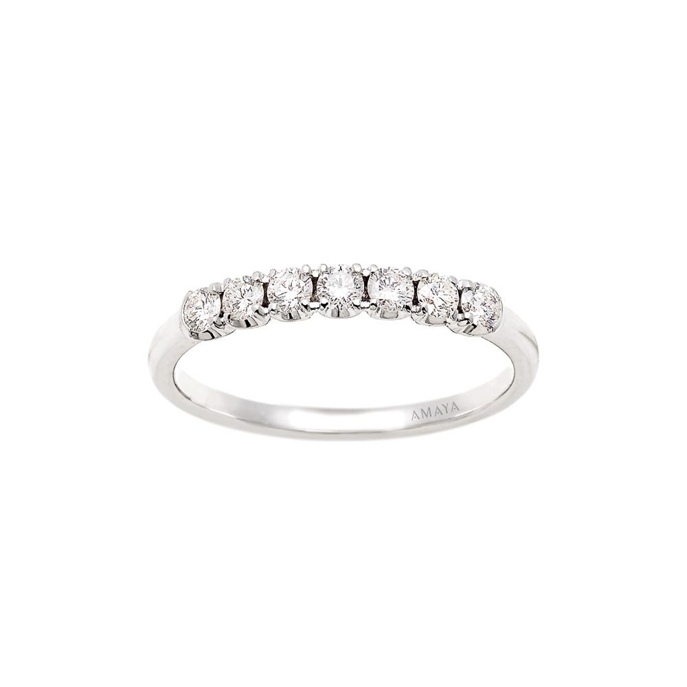 En AMAYA – Alianza de Compromiso con 7 Diamantes - Amaya Joyeros, Joyas de Compromiso y Boda