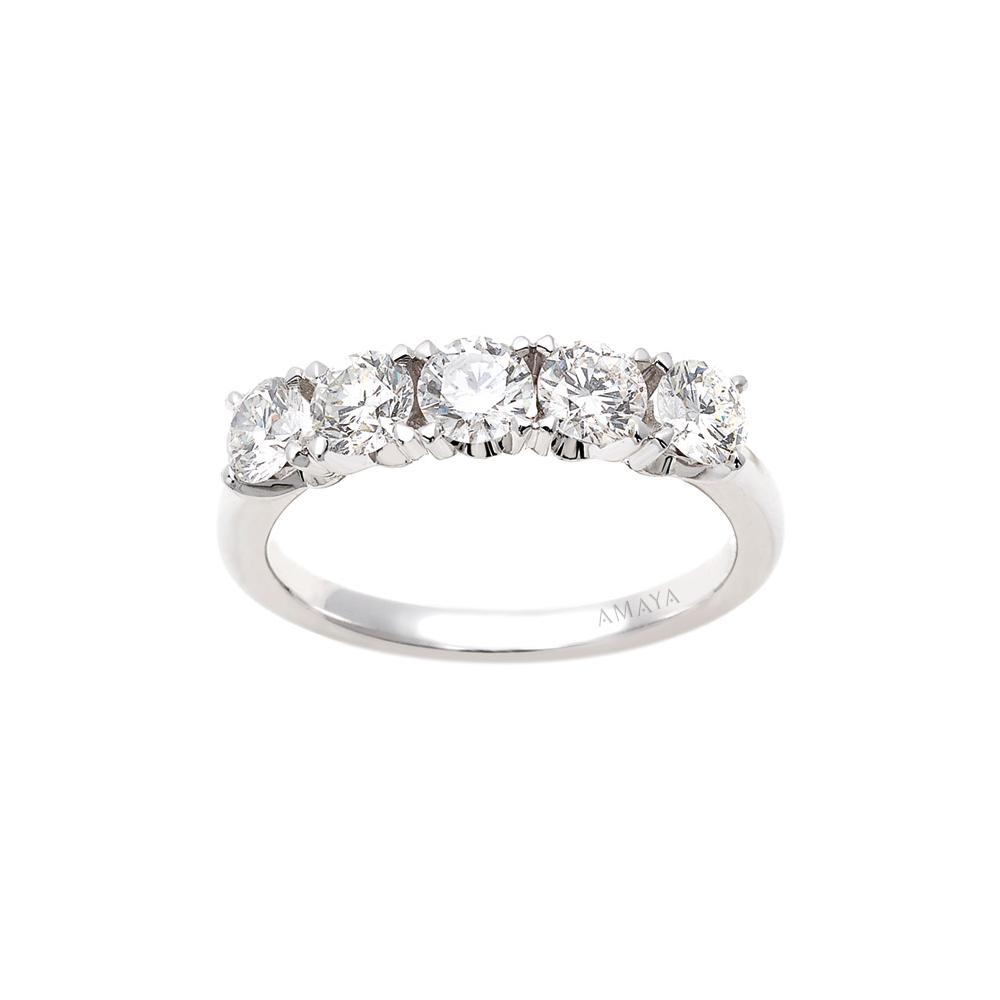 En AMAYA – Alianza de Compromiso con 5 Diamantes - Amaya Joyeros, Joyas de Compromiso y Boda