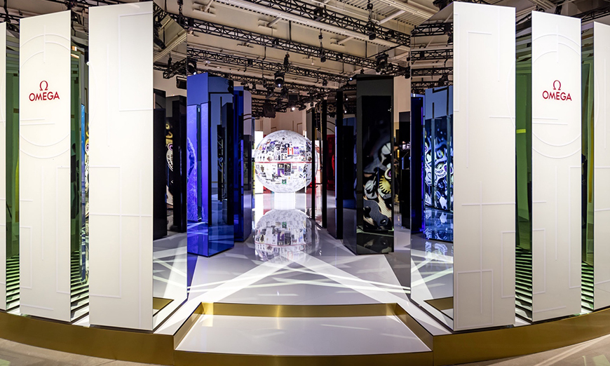 Interior de la exposición Planet Omega